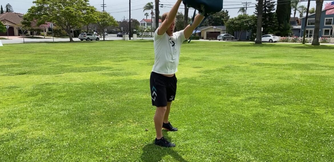 Stand Bag Reach Slow (Gymless)